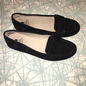 c542c5521c3 White Mountain Shoes - NWOT Women s White Mountain Markos Penny Loafer